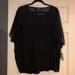 Lord & Taylor NWT black short sleeve top